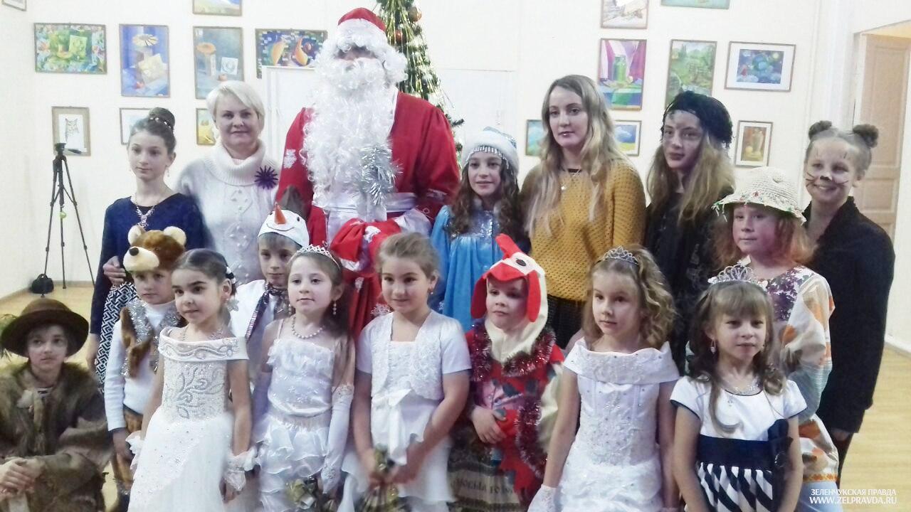 Воспитанники Кардоникской детской школы искусств увидели «Зимнюю сказку из чудес»