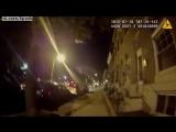 Девушка врезалась в машину полиции, играя за рулём в Покемонов / Driver playing Pokemon Go crashes into police car