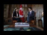 Эмма на собеседовании  с премьер-министром Канады — Джастином Трюдо