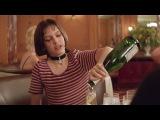 Опьяневшая Матильда пытается поцеловать Леона Леон (1994) сцена 48 QFHD