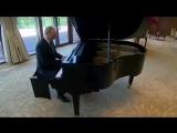 Владимир Путин сыграл на рояле в резиденции председателя КНР Си Цзинпиня / «Город над вольной Невой» и «Московские окна»