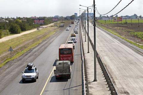 Автомобилистов возмутили черепашьи темпы строительных работ на трассе Ростов — Таганрог