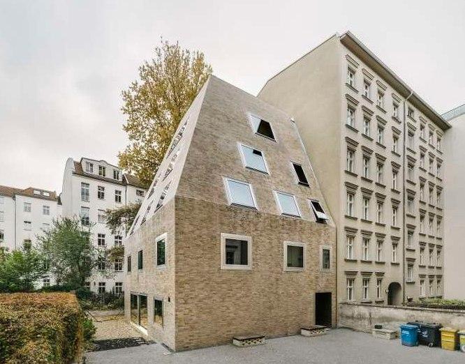 LOCATION: #GERMANY - #BERLIN  #DESIGNER: BARKOW LEIBINGER