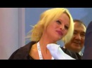 Памела Андерсон поцеловала Россию Pamela Anderson Russia kiss видео 3 09 2015