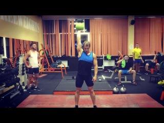 Презентация  групповых программ с гирями KETTLEBELLFITNESS и KETTLEBELLWORKOUT в фитнес клубе World gym