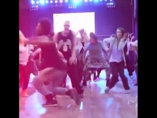 Aww Lau Video By @stepxstepdance