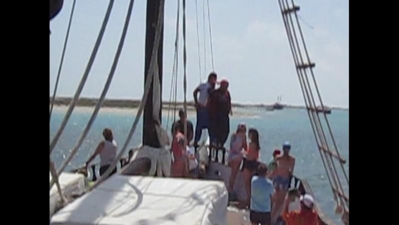 Джерба. Морская прогулка с пиратами на остров Фламинго.