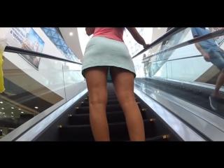Задирают юбки в метро на эскалаторе, секс против воли молодые