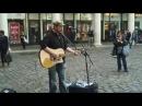Уличный музыкант поёт в живую как будто студийная запись Sleeping At Last Chasing Cars