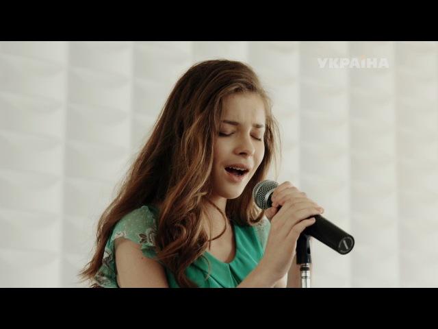 Наташа Кречет поет песню Ой у вишневому саду | Певица