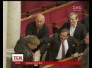 У ВР депутати Опозиційного блоку влаштували штовханину з представником БПП