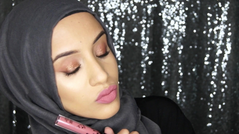 Swatches ¦ Kylie Birthday Edition Lipsticks Posie K on Olive Skin⁄Dark Lips