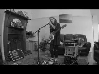 Tash sultana - jungle (live bedroom recording)