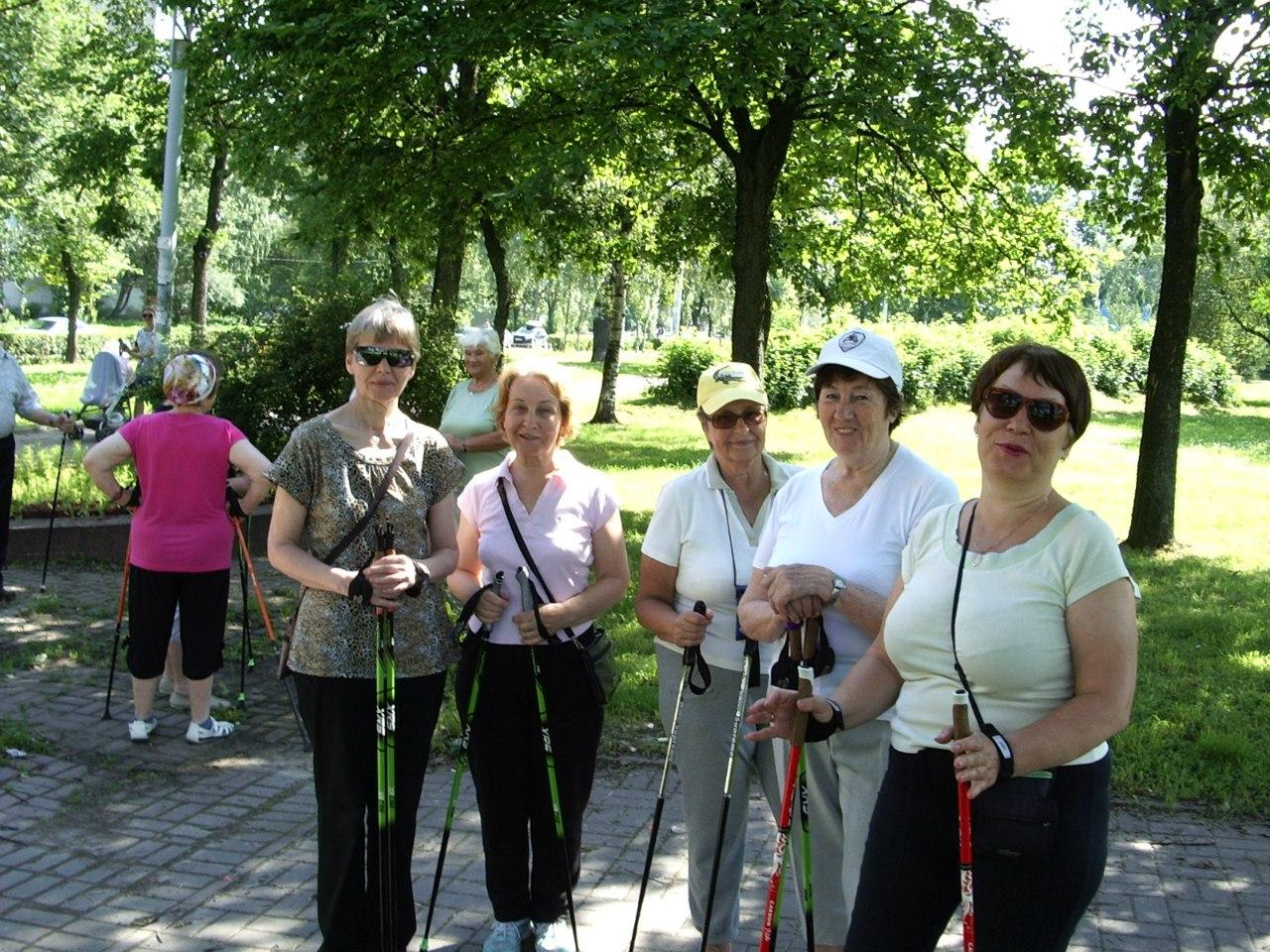 Скандинавская ходьба. Группа «Возрождение»