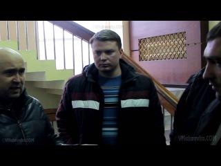 Жители Макеевки мирно вошли в городской совет 13 апреля 2014 года.