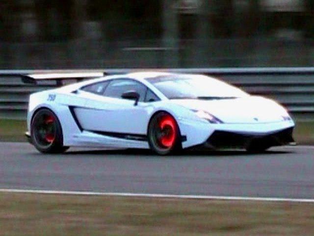 Lamborghini Gallardo LP570-4 Superleggera LOUD SOUND Glowing Brakes
