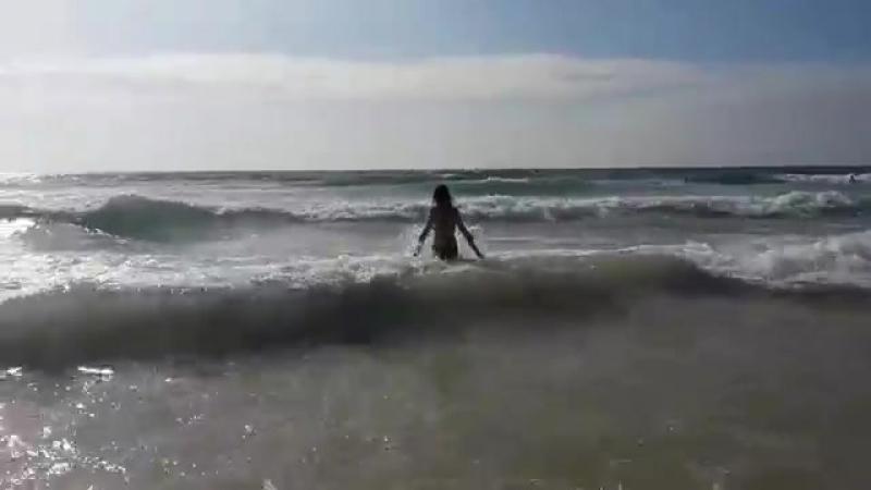 Waves on Karon Beach. Phuket Thailand - Волны на Кароне