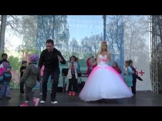 Виталий Гогунский и Русская Барби - Конь и песни Aqua,стихи