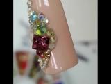 Как же создается такая красота и не просто создается , а носится на ногтях клиенток 3-4 недели?
