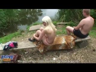 Порно с русской озвучькой в лесу сос тудентками фото 174-775