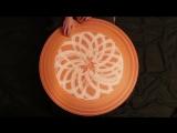 Танец на круге: гончарный круг, песок и чарующая музыка.