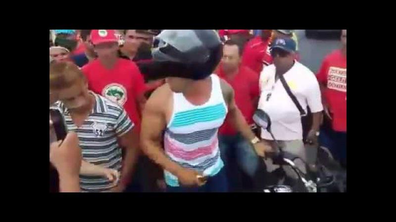 """Em dia de """"greve geral"""", homem tenta furar bloqueio e provoca confusão em Paulo Afonso"""