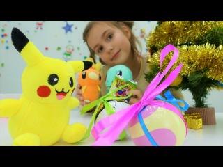 Новогоднее видео: Саша, Пикачу и друзья #ПОКЕМОНЫ - новогоднее украшение елки! Но ...