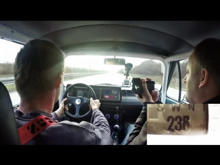 Volkswagen Golf Mk1 мощностью 1056 л.с., против Yamaha R1 😎