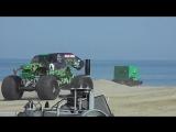Монстры на пляже