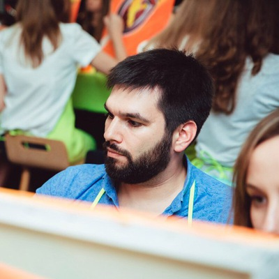 Макс Мануйлов