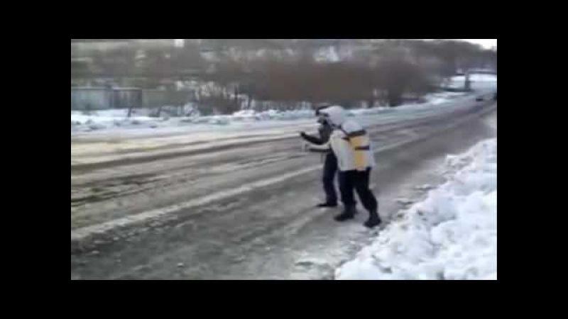Анекдот про мужика с рулем от КАМАЗА
