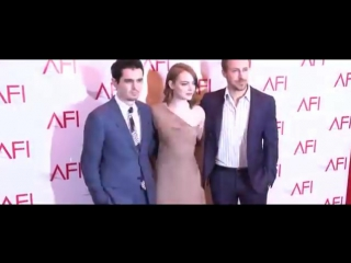 Emma stone and costar ryan gosling arrive at the afi awards