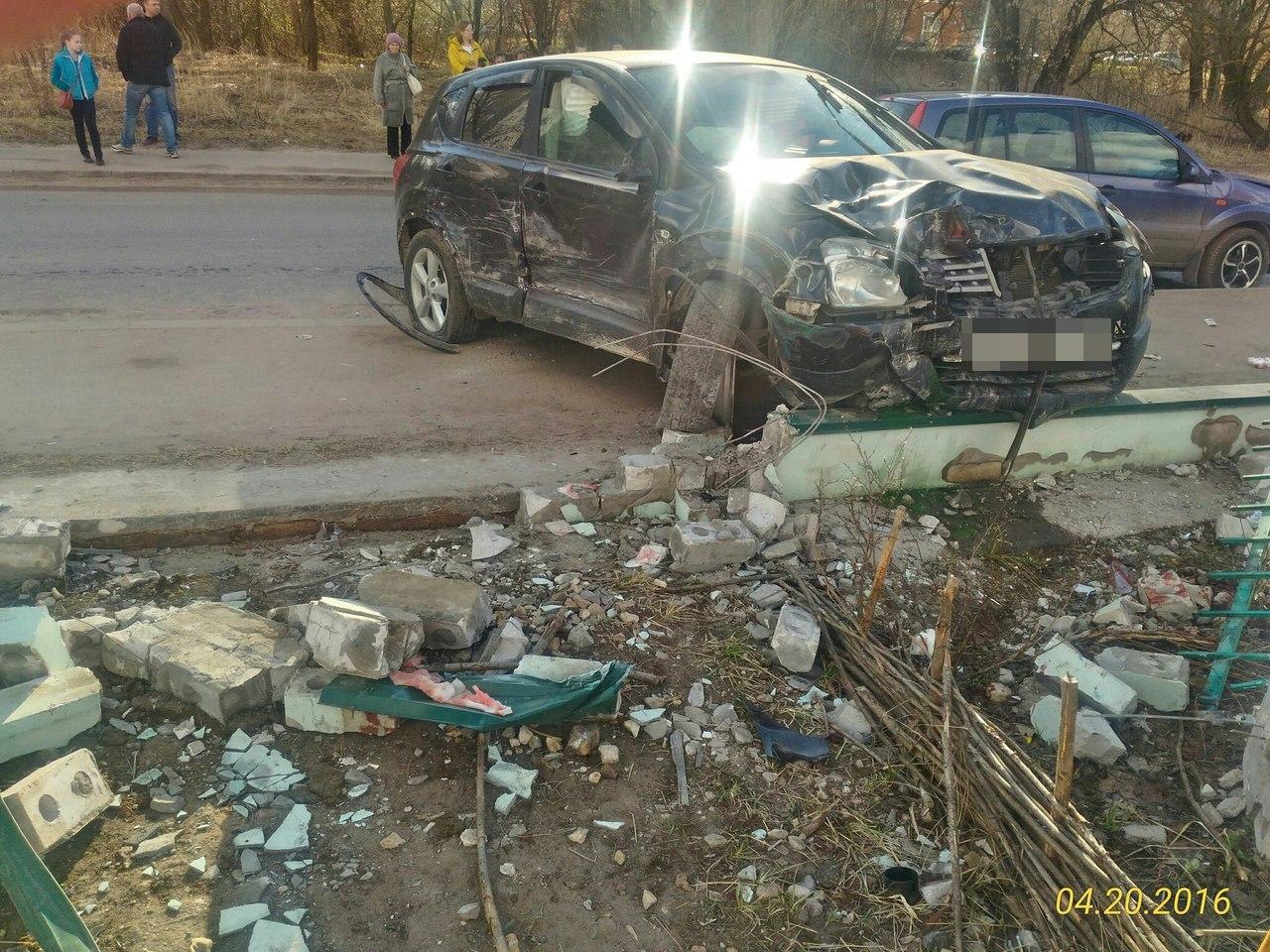 В результате ДТП в Твери двое детей получили тяжелые травмы