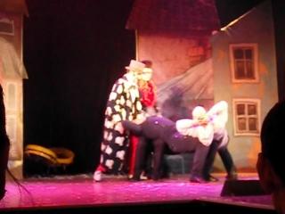 Мизерное участие Д. Лашкевича в «Новогоднем смехгопаде» - шоу Театра «Маски-шоу» и коллектива «Деревни дураков» в Доме клоунов