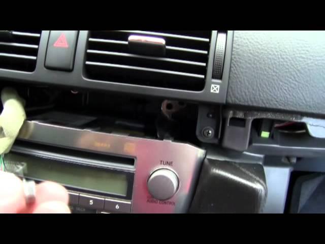 Установка YATOUR YT-M06 на Toyota Avensis II в штатную магнитолу