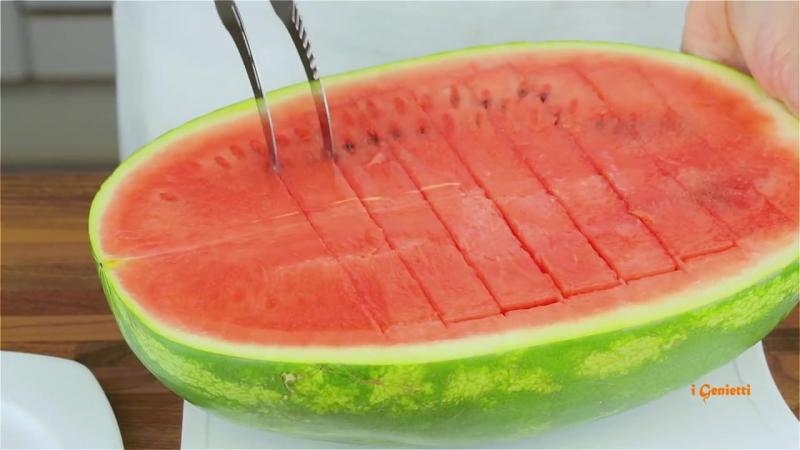ANGURELLO™ - Taglia e servi anguria - Watermelon knife slicer