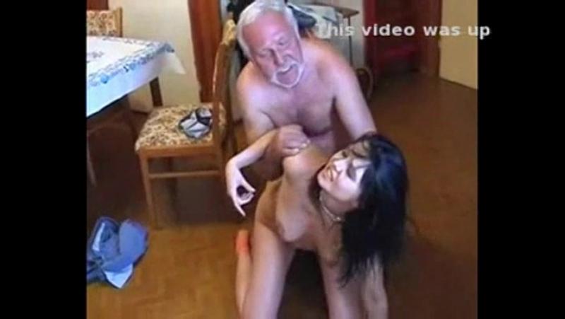 Силой выебал русскую девку в жопу. Порно и секс видео.
