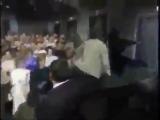 КАК ДЖИМ КЕРРИ ОТМЕЧАЕТ НОВЫЙ ГОД (6 sec)