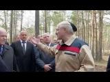 Батька Лукашенко посетил лесоповал