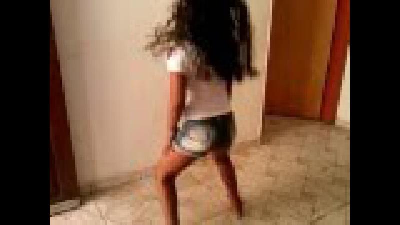 Menina dançando 9ans