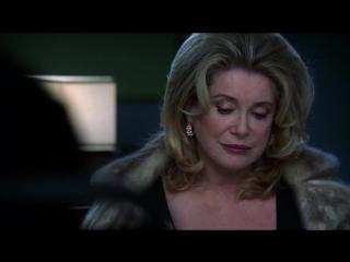 Catherine Deneuve in Nip/Tuck (4x12)