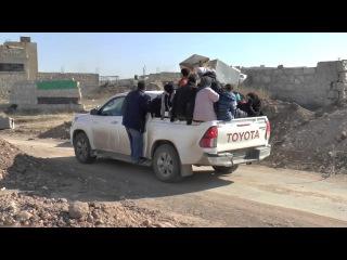 Выход беженцев из оккупированных боевиками районов Алеппо