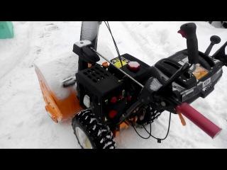Уборка снега на пасеки с помощью снегоочистителя