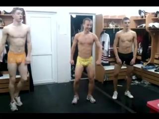 Хоккеисты, талантливы во всём))