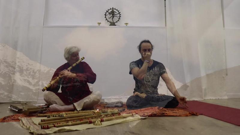 18 и 19 февраля 2017, в Йога -Студии «Чакра» «Открывая глубину практики йоги с помощью звуковых вибраций живой музыки».