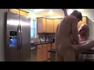 |QP18+|Сестренка возбудила брата на кухне Busty Stepmom fucks her stepson in the kitchen | Incest, Sex, anal, Mom-son dad sister