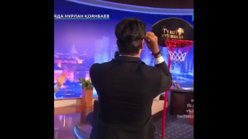 БУ - Баскетболист_на ток-шоу Тунги студия в Казахстане
