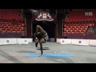 Oriental contortionist