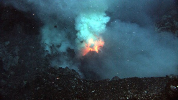 the importance and role of hydrothermal vents and underwater volcano