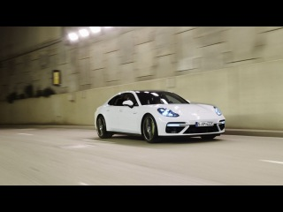 The new Panamera Turbo S E-Hybrid - Features.